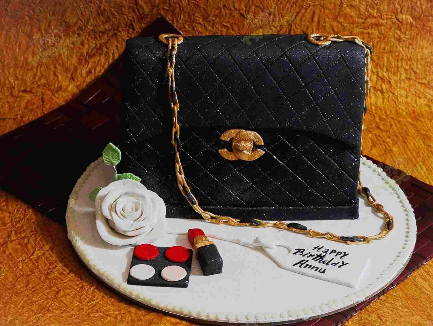 Am Crazy About Gucci Cakes in Gurgaon